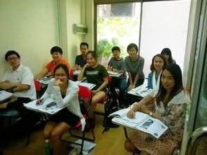 เรียน ielts ของสถาบันเราเน้นการสอนสด รับรองผล อาจารย์สี่ท่าน